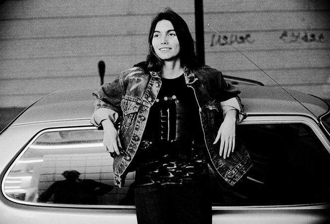 Emmylou Harris – Her Saab In Hollywood, Los Angeles California 1976