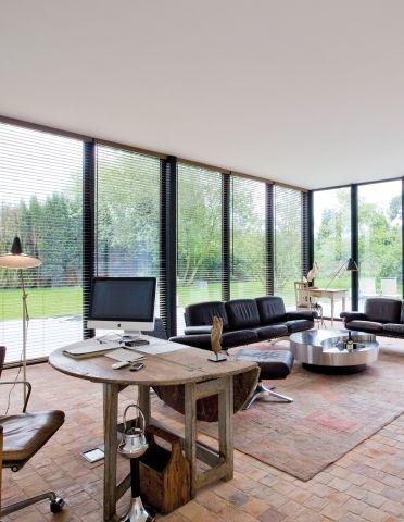Moderne woning houtskeletbouw tegelvloer eclectisch for Inrichting huis modern