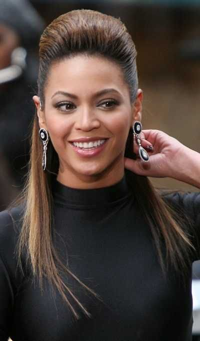 Beyonce Honey Blonde Hairstyle For Oval Faces