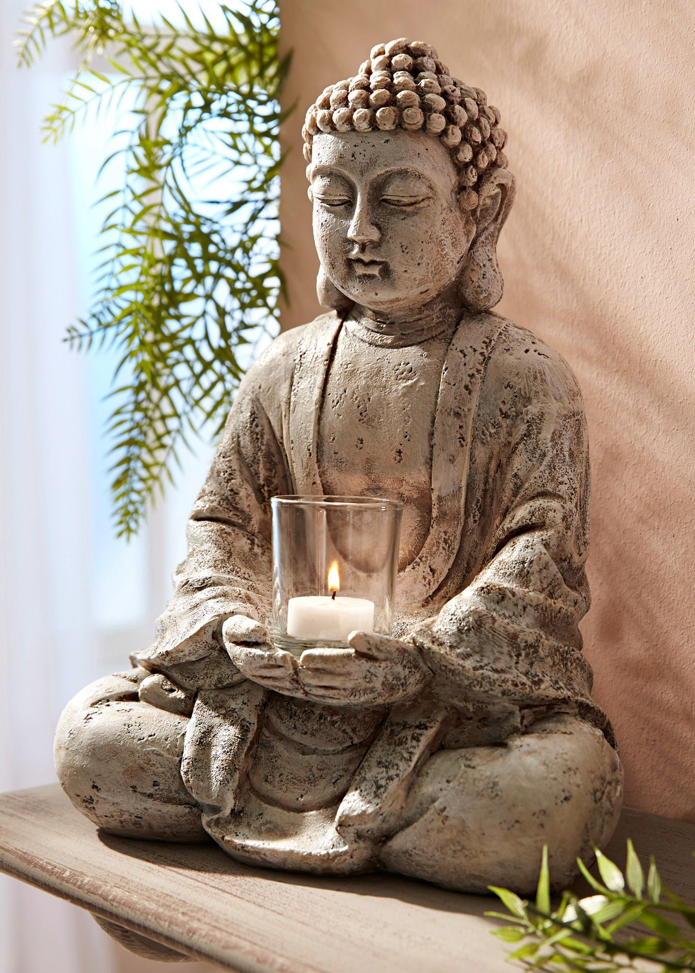 Ruhevolles Ambiente Toller Deko Buddha Mit Windlicht Badezimmer Buddha Buddha Garten Und Buddha Deko