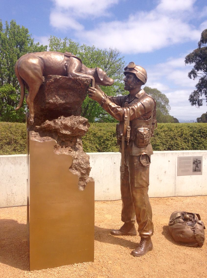 Dogs Of War Memorial Canberra Dog Soldiers Dog Hero War Dogs