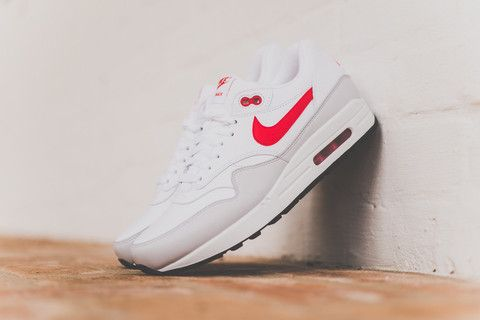 detailed look 962d9 04780 Nike Air Max 1 Leather - White Uni Red - Sneaker Politics