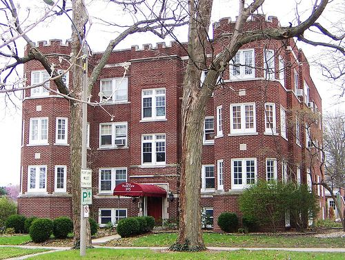 Champaign Il West Side Park Apartment Building On University Avenue Champaign Urbana Illinois Apartment Building