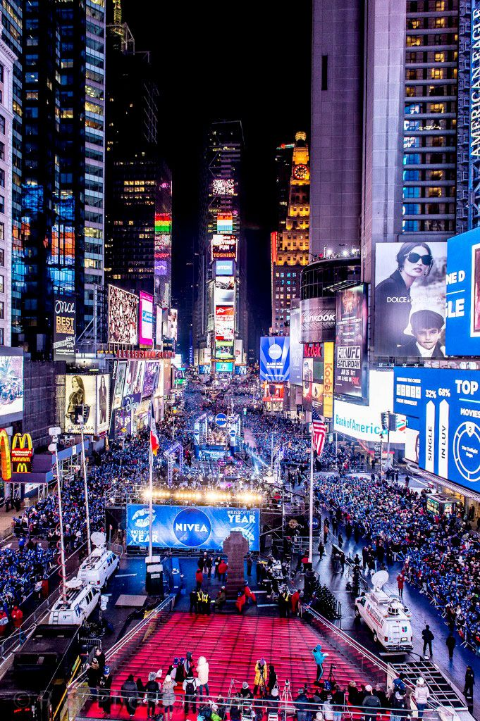 new year's eve in time square | Times Square New Year's Eve 2014 | Times square new york, New ...