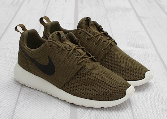 b7f57a9fe1b6 Nike Roshe Runs - You can literally wear them with anything