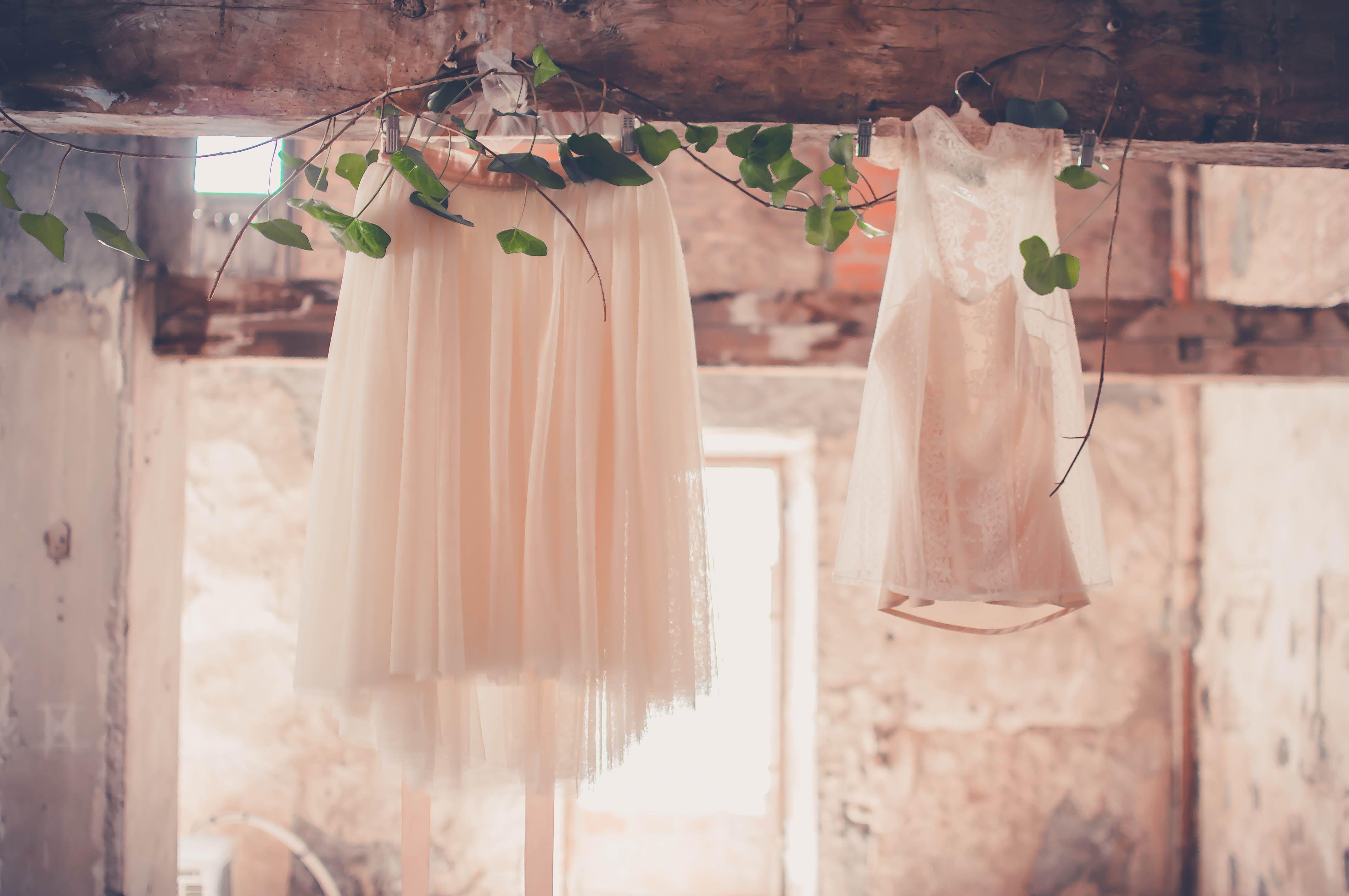 Escenas Immacle <3  Fotografia: Blanco y Caramelo - Photography  Maquillje: Rebeca Torres Makeup Atrezzo: @Cotesud Reus Diseño y creación: Con tul y tacones :: weddings and co.