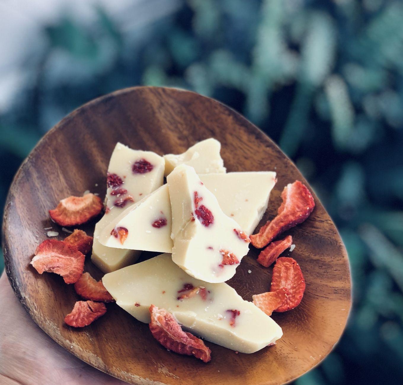 Make homemade vegan (dairy free) white chocolate with any