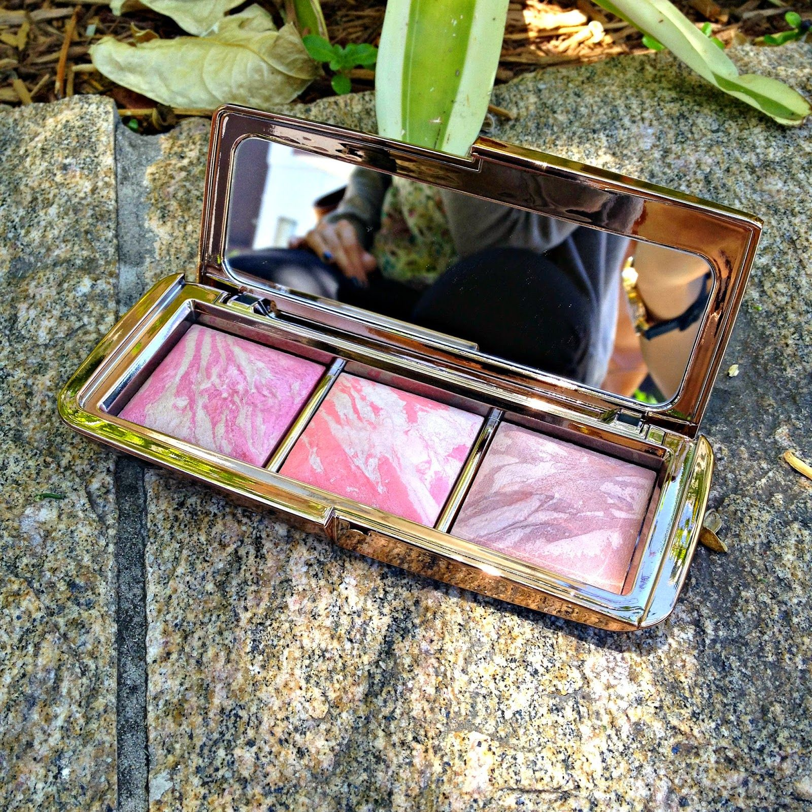 Hourglass Ambient Lighting Blush Palette Review Blush