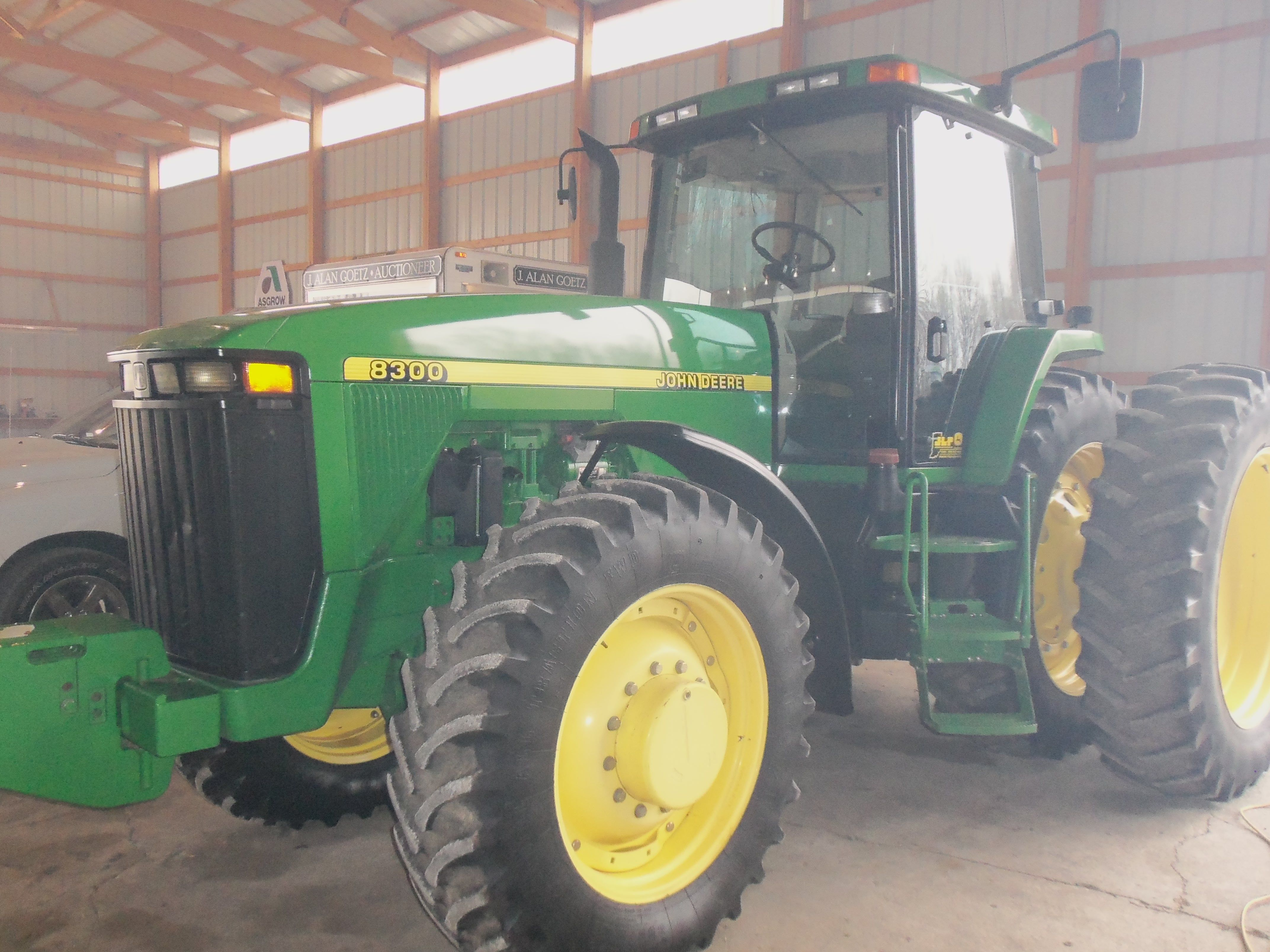 200hp John Deere 8300.This is the 3rd 200hp row crop tractor that John Deere  made from 1989-99.First saw a 8300 in Oxnard,Ca on September 20,1994