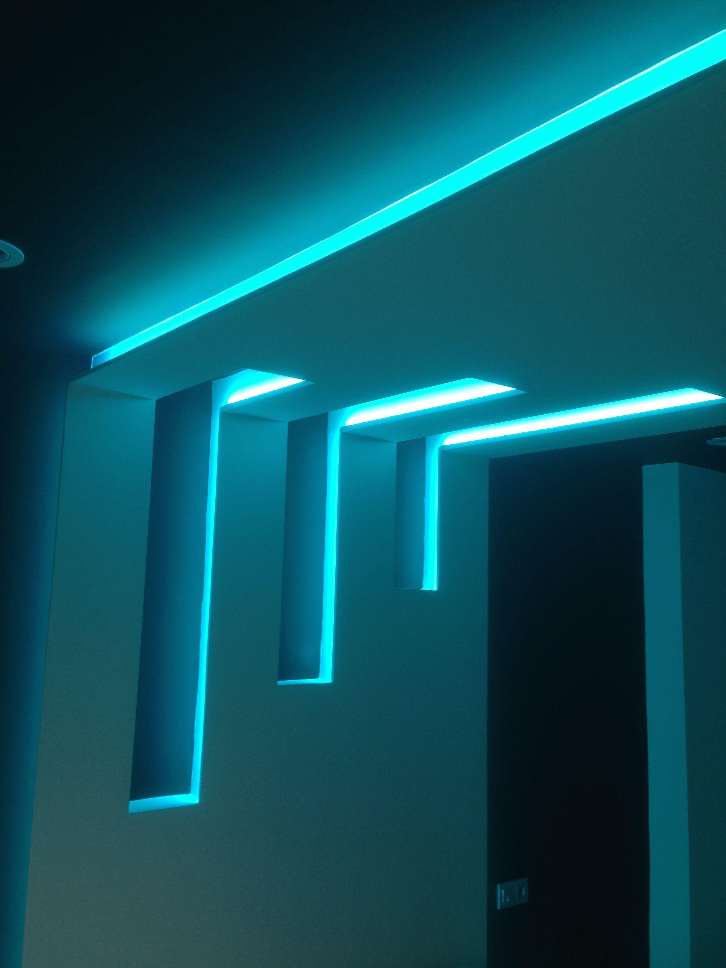 Foseado de pared y techo iluminado con tiras de leds rgb - Iluminacion tiras led ...