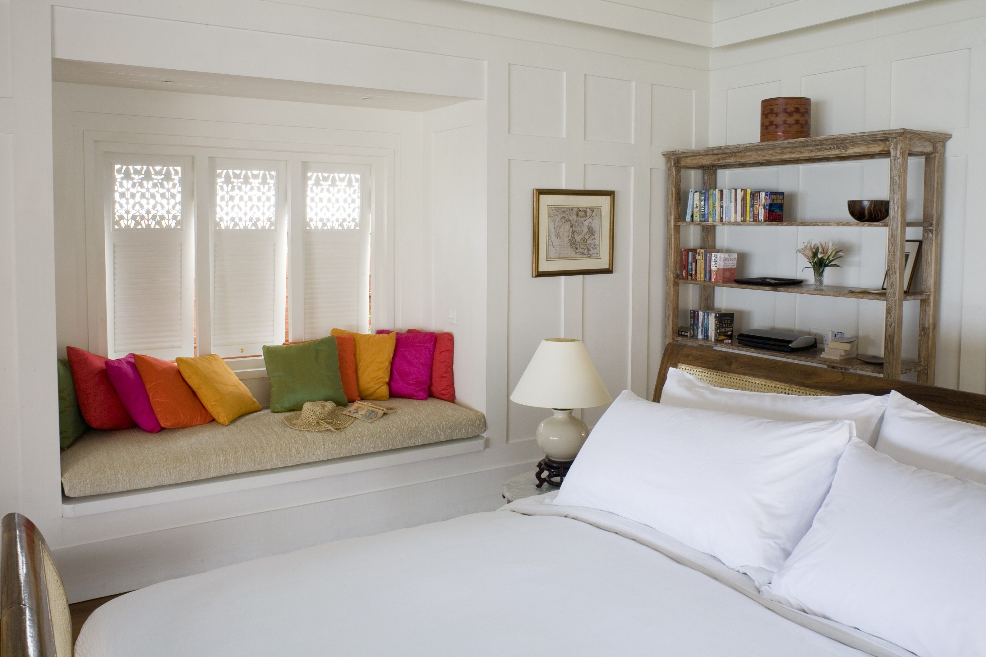Small bedroom designs modern furniture and room colors for spaces also pinterest bedrooms rh