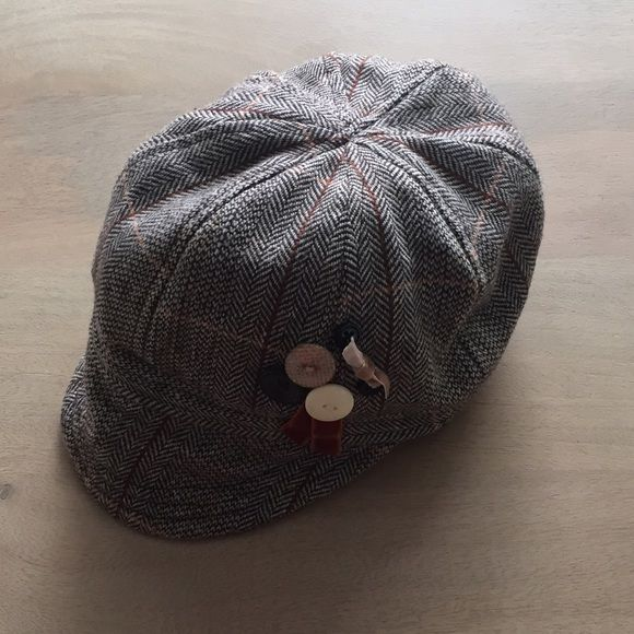 Wool Blend Hat Brown/ Cream/ Orange Wool Blend Hat! This is the perfect hat for fall. Like new condition. Would look adorable with my orange crossbody bag. I bundle! Accessories Hats