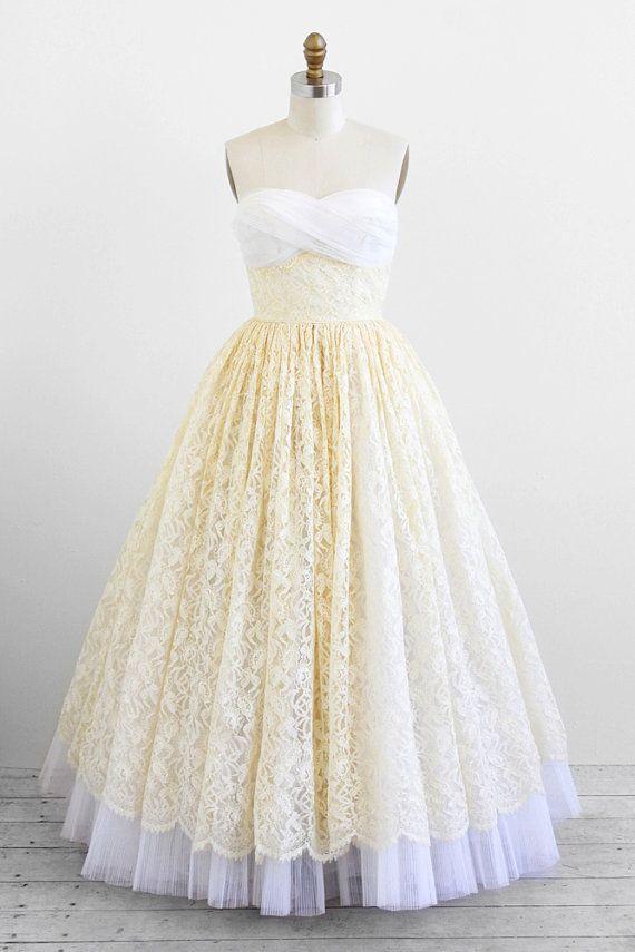 vintage 1950s wedding dress / 50s wedding dress / White and Ivory ...