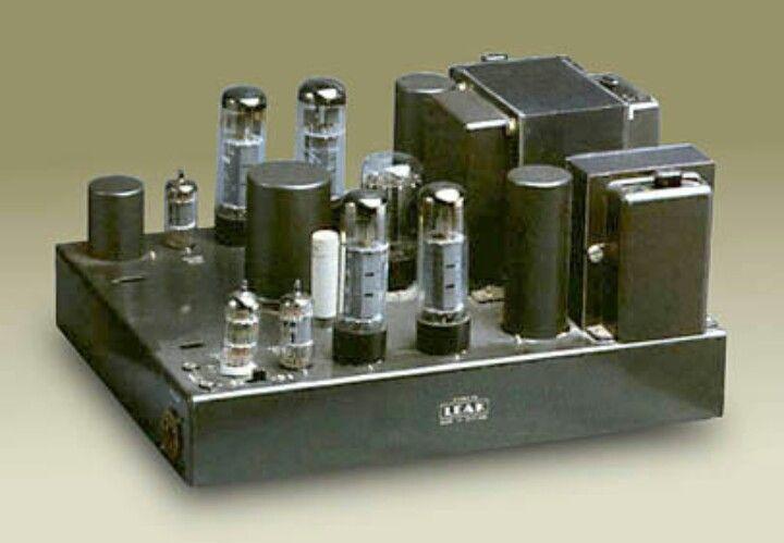 A Leak Stereo 60 valve amplifier in dark grey  | VINTAGE AUDIO in