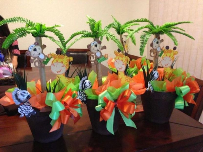 Pots Decorated With Animals And Ribbons For Safari Jungle Theme Baby