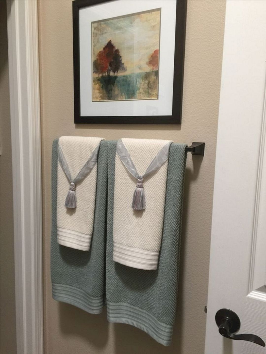 24 Most Popular Bathroom Design And Amazing Decor Ideas Bathroom Towel Decor Bathroom Towels Display Towel Display