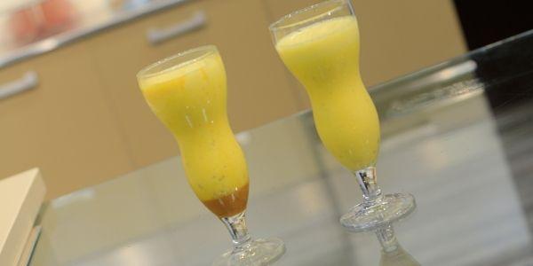Cbc Sofra طريقة عمل عصير تين شوكي بالكراميل غادة جميل Recipe Milkshake Glassware Hurricane Glass