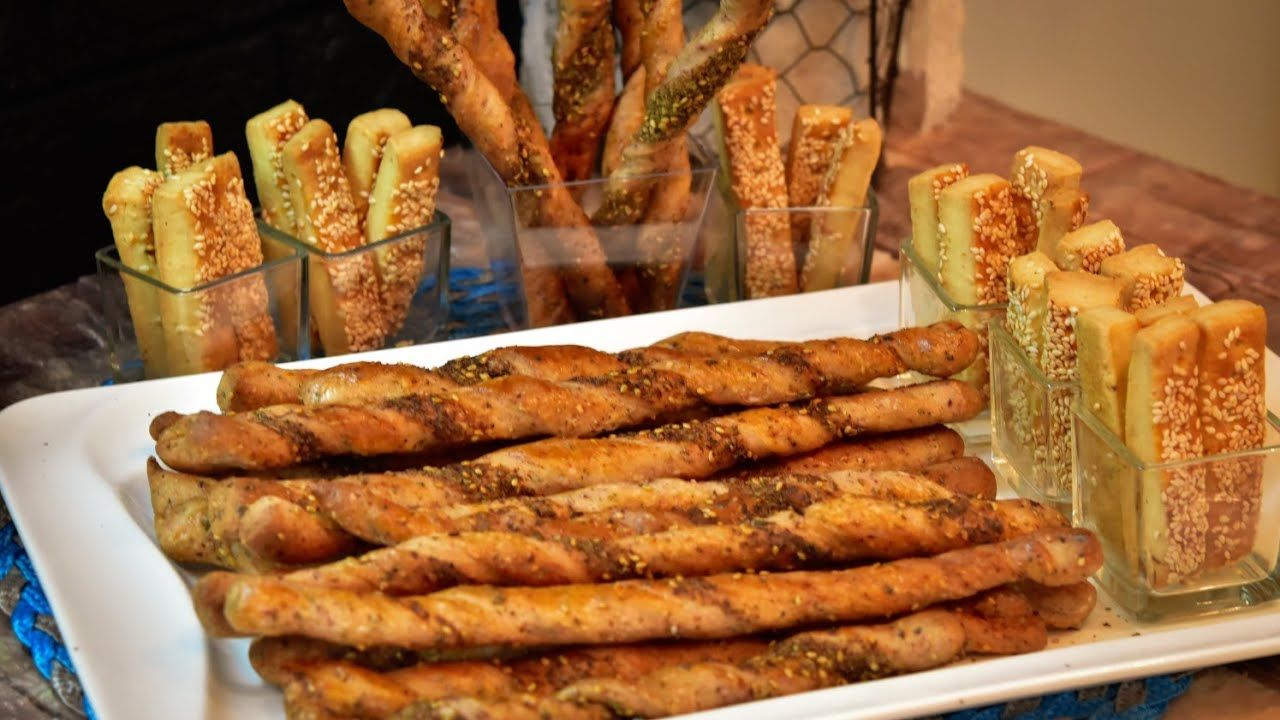 أصابع الزعتر المالحه مع اصابع البسكوت المالح Salty Thyme Sticks Salty Cheese Flavored Biscuit Youtube Savory Appetizer Food Finger Foods