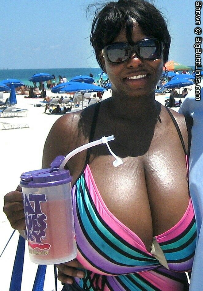 Big ass big black tits