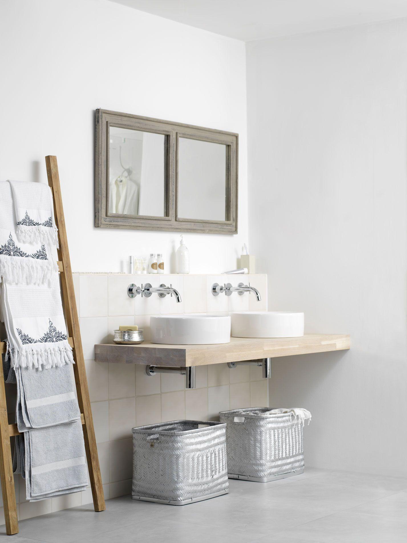 Badkamer in romantische stijl grando keuken bad for Design planken badezimmer