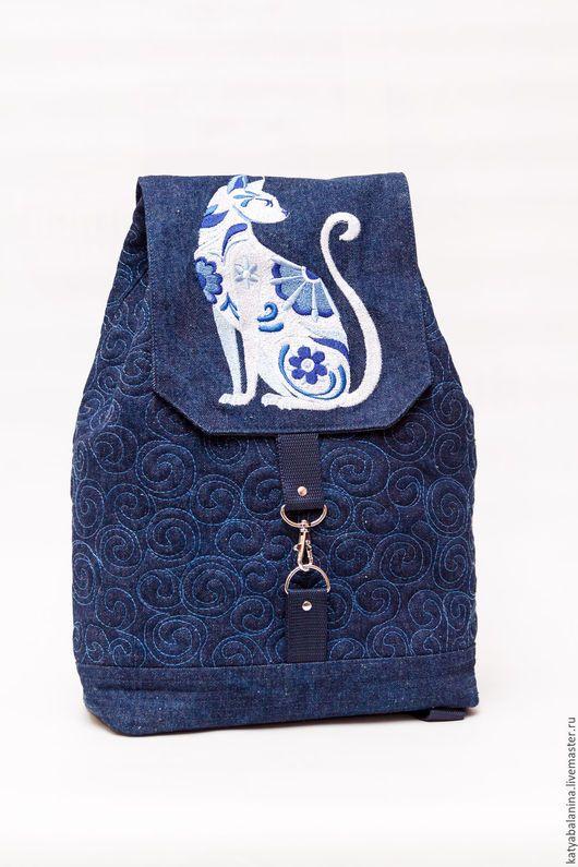 fd717fd91737 Рюкзаки ручной работы. Ярмарка Мастеров - ручная работа. Купить джинсовый  рюкзак с вышивкой Кошка гжель синий. Handmade. Синий