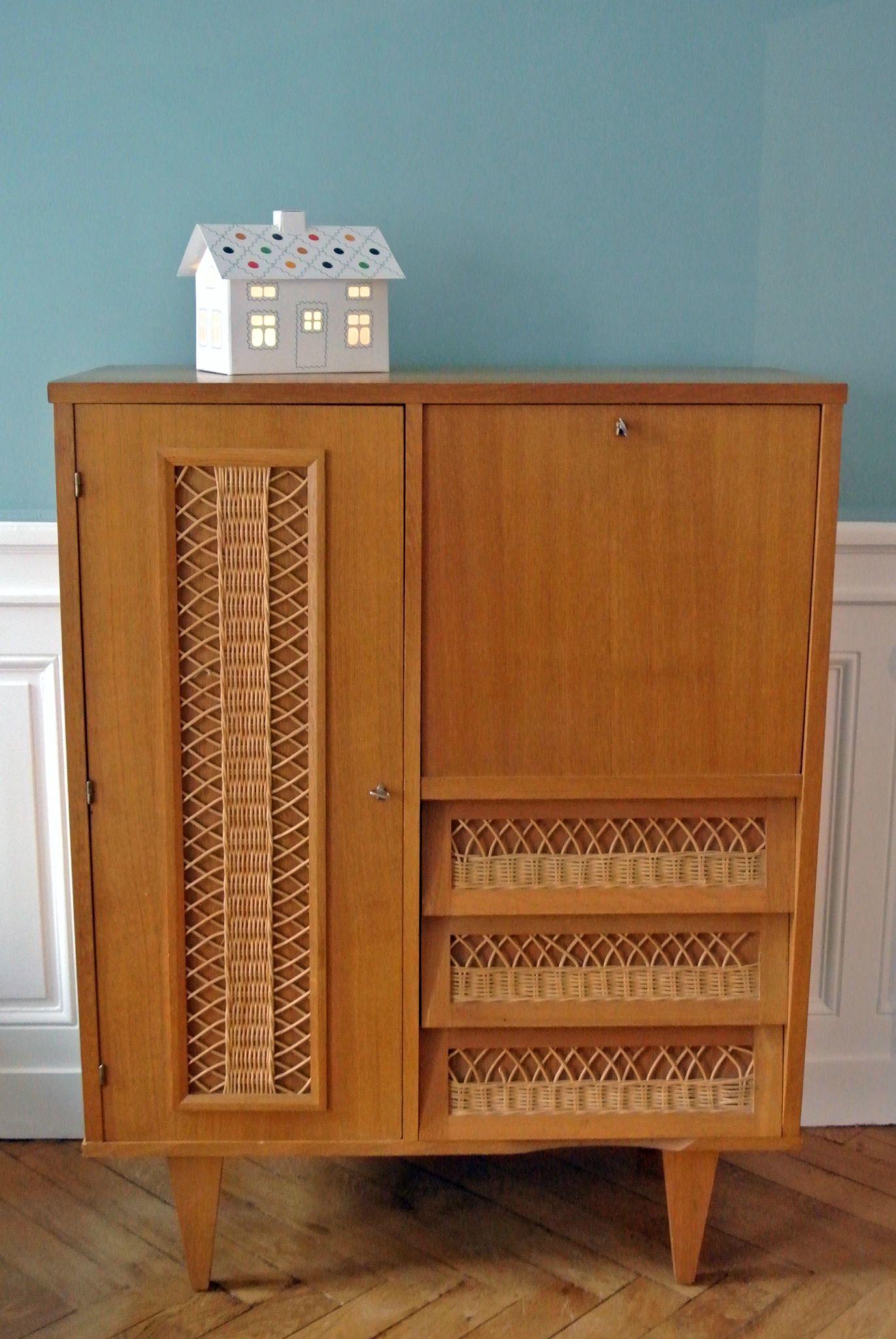 Armoire Secretaire En Chene Et Rotin Annees 60 Solveig Vintage Kids Decoration Vintage Mobilier De Salon Idee Rangement