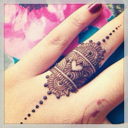 Henna Tattoo Ring Designs: Beautiful Henna Ring Design