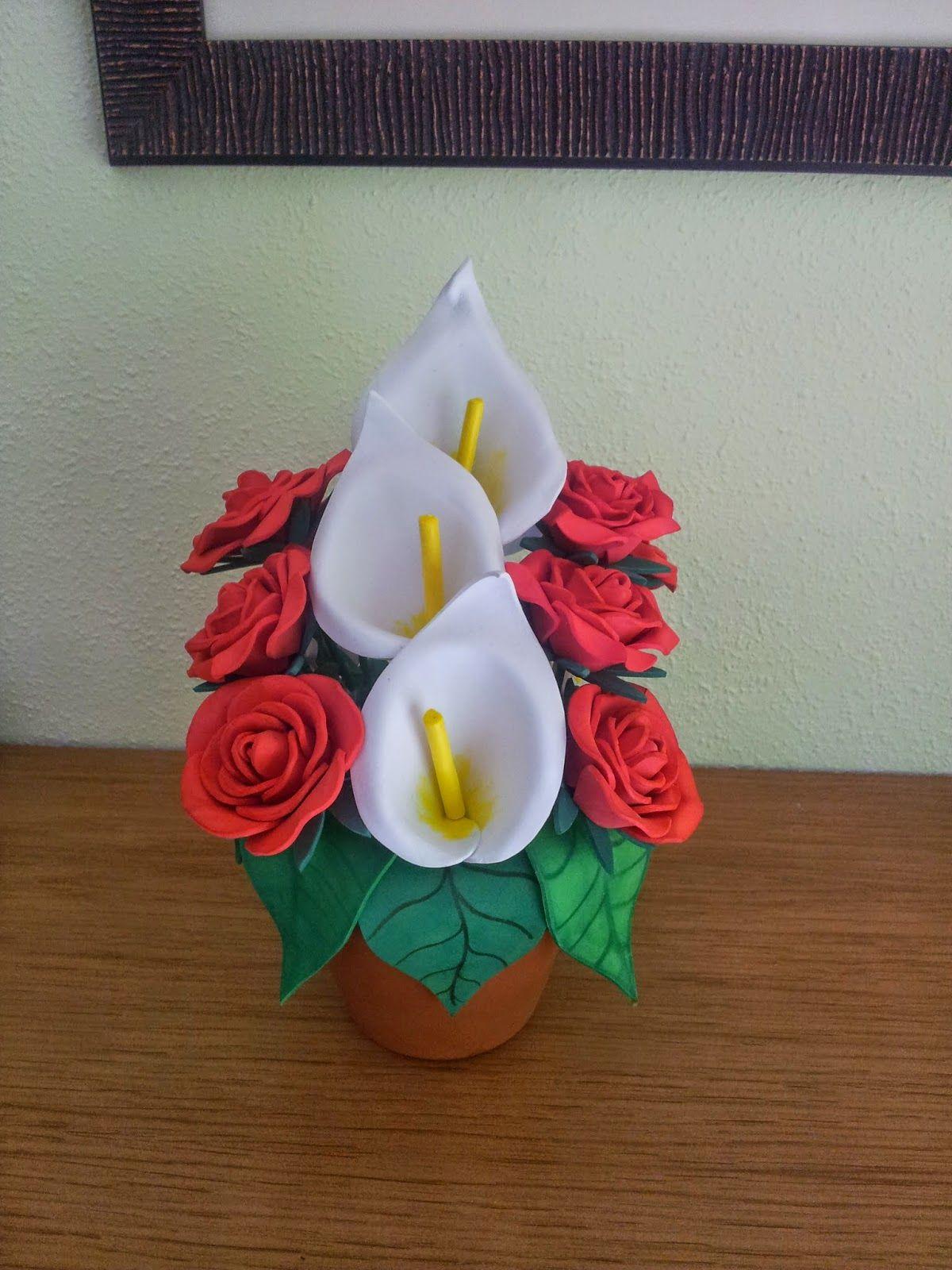 Calas y rosas realizadas con goma eva centros goma eva - Flores con goma eva ...