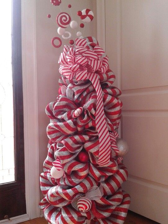 Deco mesh Christmas tree. Peppermint candy.