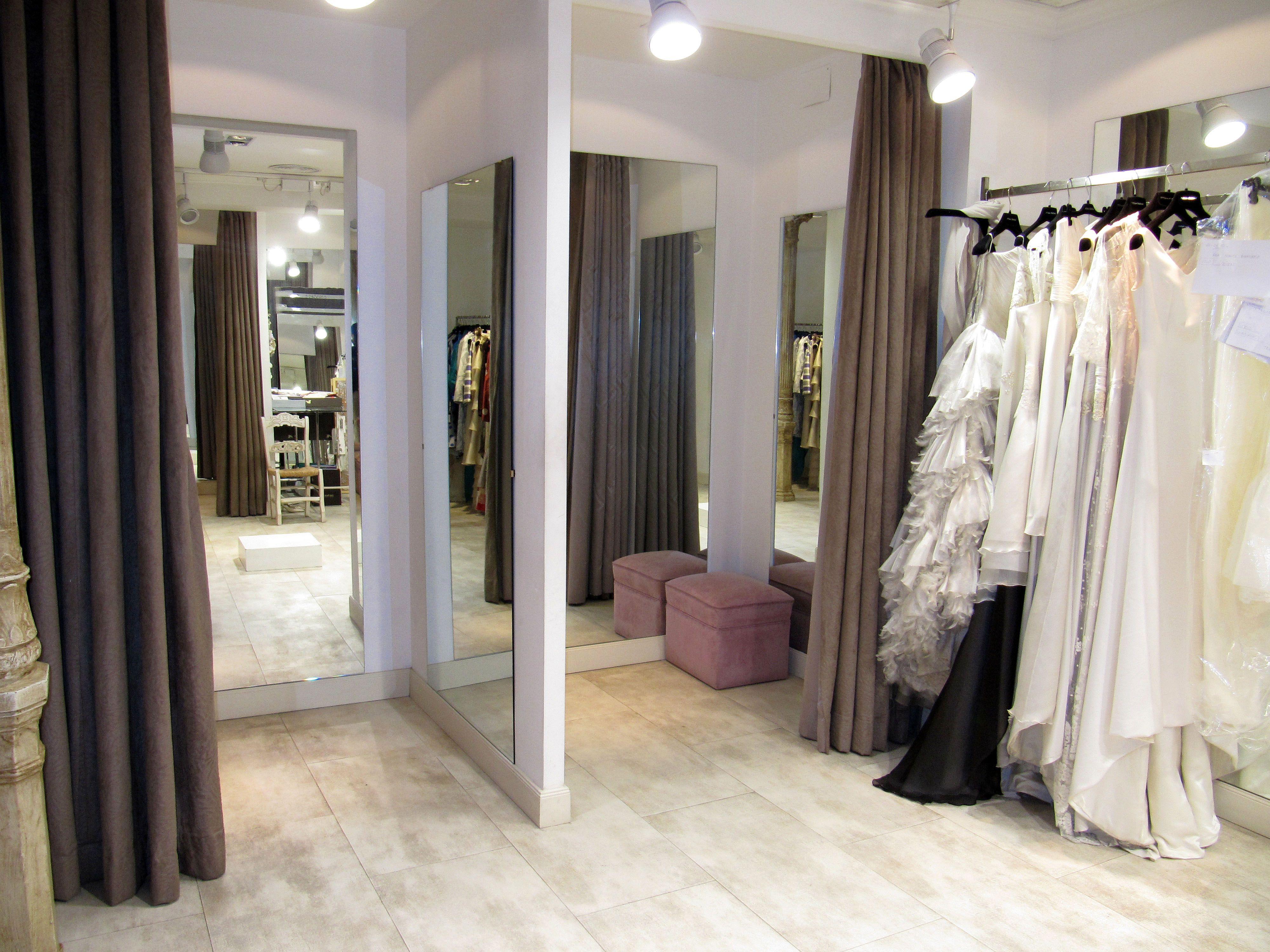 Probadores dise o interior tiendas pinterest for Probadores de ropa interior