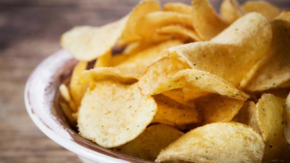 La acrilamida, la sustancia cancerígena de las patatas fritas que la UE quiere controlar