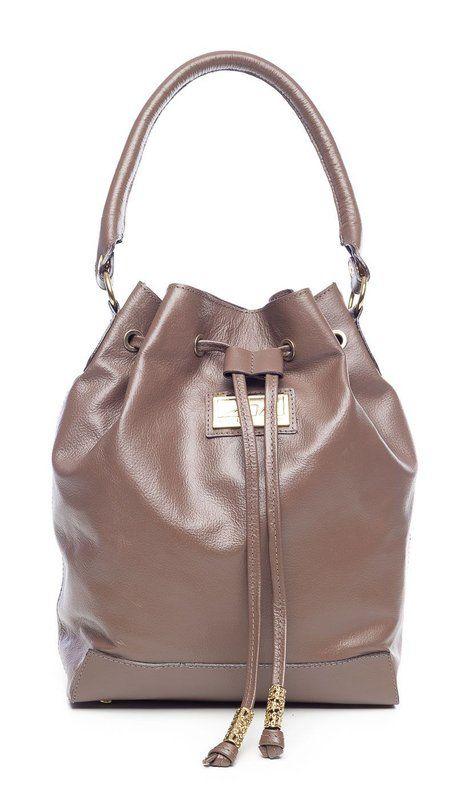 7ed1b0eef0584 Bolsa saco em couro legítimo Andrea Vinci marrom - Enluaze Loja Virtual