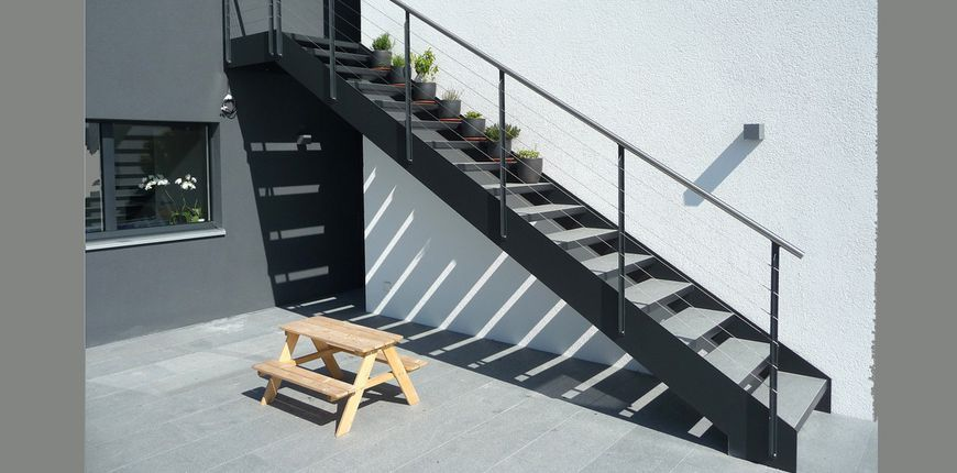 stahltreppen f r den aussenbereich au entreppen. Black Bedroom Furniture Sets. Home Design Ideas