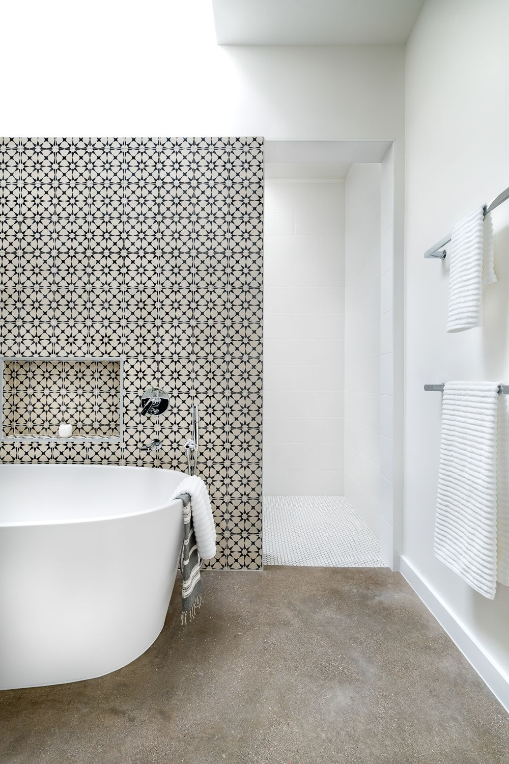 Palm Residence And Guest House By Clark Richardson Architects Black Mosaic Tile Small Bathroom Makeover Bathtub Design