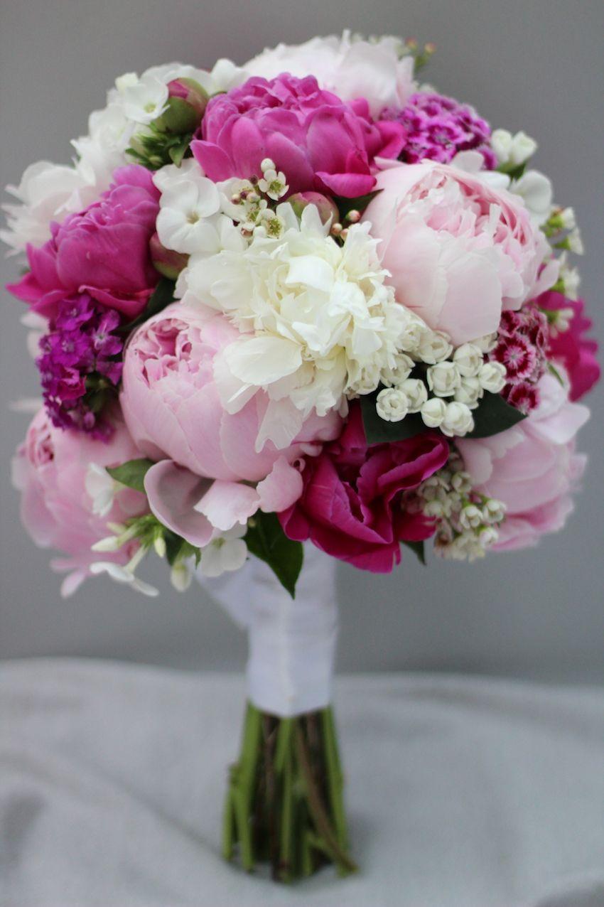 Brautstrauß * Bridal Bouquet * Hochzeit * Wedding * Pink * Rosa * Peonies * Pfingstrosen #pinkbridalbouquets