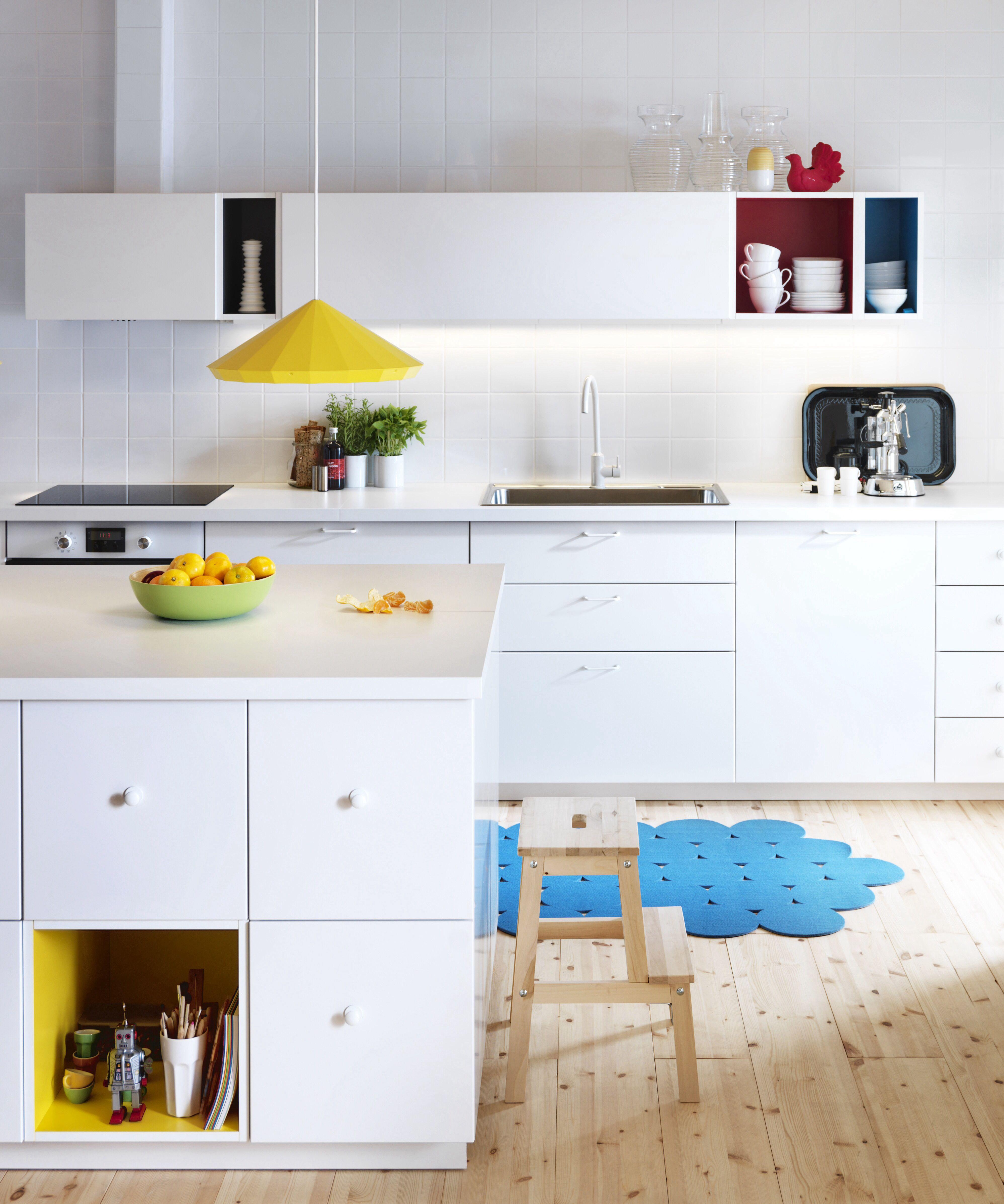 """Metod"" mit farbigen Akzenten - Bild 2 | Ikea küche, Ikea ..."