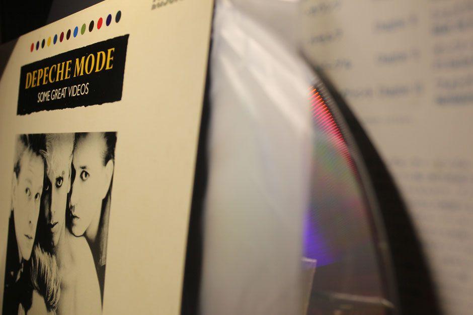 depeche-mode-japanese-lazerdisc-electronic-beats.jpg (940×627)