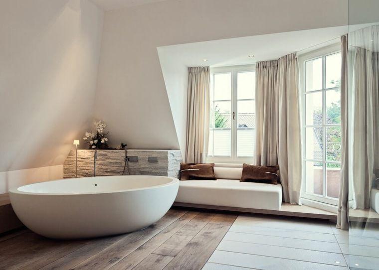Badkamer Design Voorbeelden : Moderne badkamer met innovatief design in voorbeelden