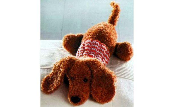 вязаная спицами игрушка собака такса в свитере описание размер