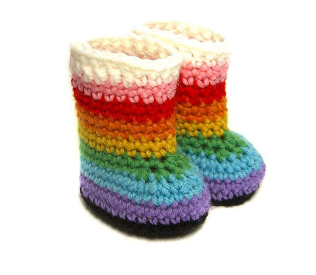 Rainbow Boot for Waldorf Dolls pattern by Michelle Chang | Moda ...