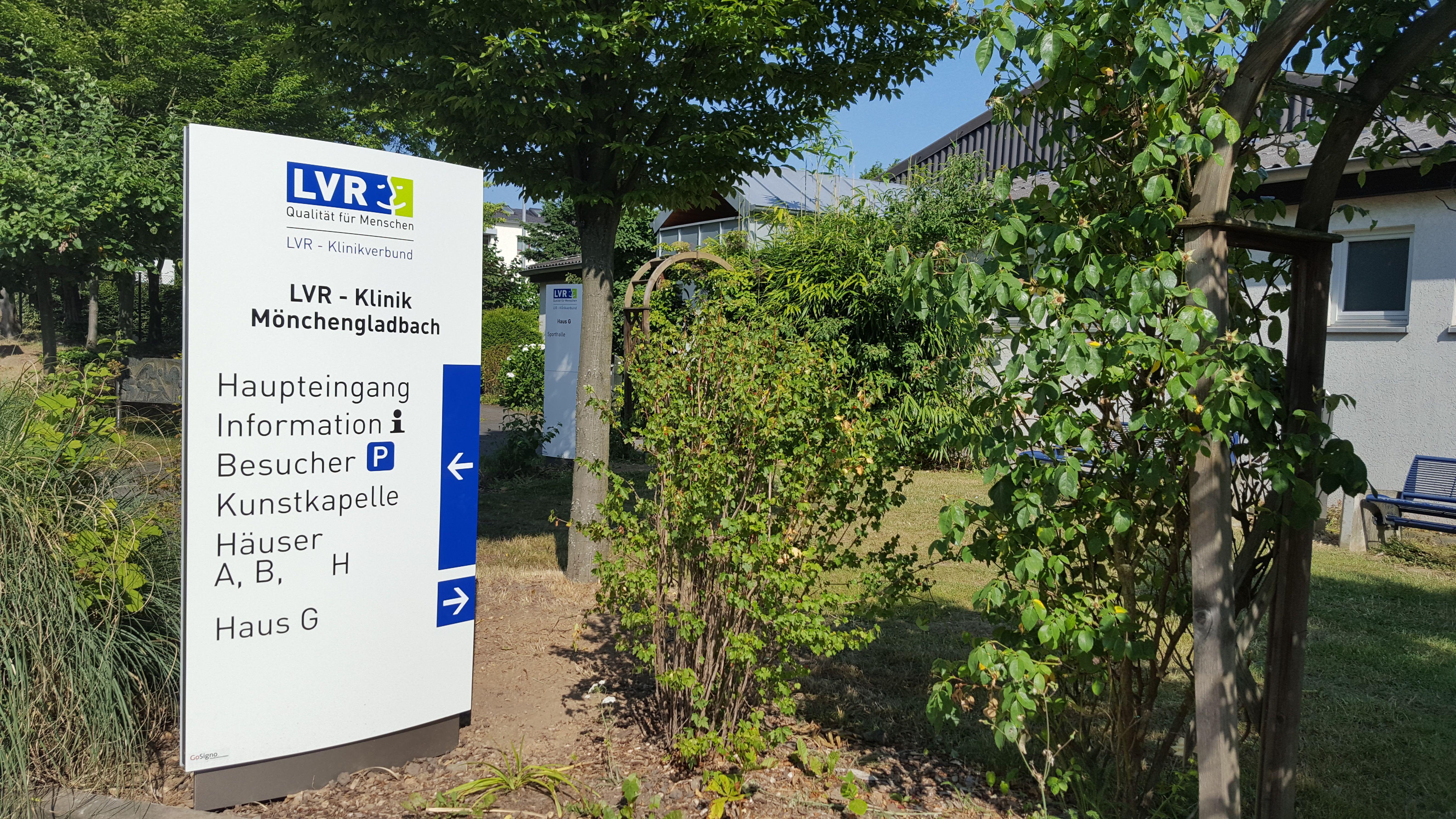 Neues Wegeleitsystem im Innen- & Außenbereich der LVR Klinik ...