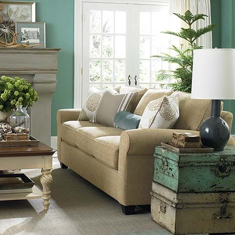 Broyhill Sofa Bassett Brewster Sofa Description Collection items available include Queen Sleeper Sofa Loveseat
