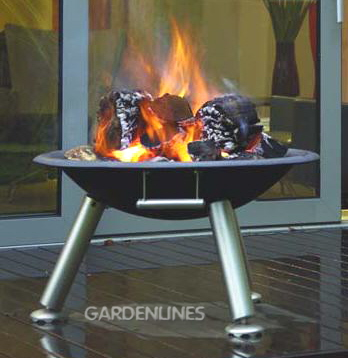 Amazing Bonfire Night Idea: Available With A Protective Spark Guard, This Fire Pit  Is Great