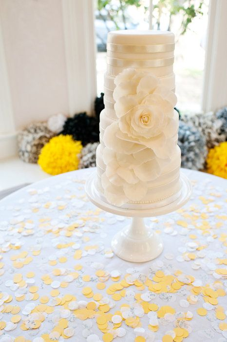 This is gorgeous. Wedding cake.