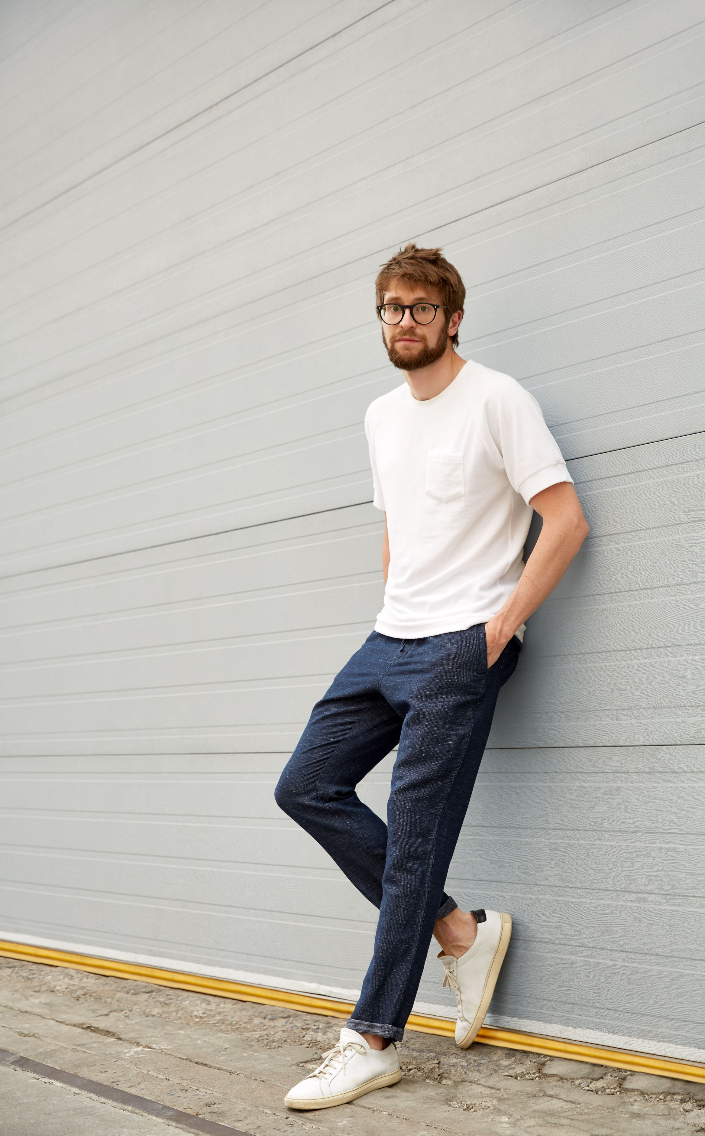 I M All About Simple Tonal And Detail Oriented Pieces That Reflect Scandinavian And To An Extent Tenis Branco Masculino Estilo Masculino Roupa Minimalista