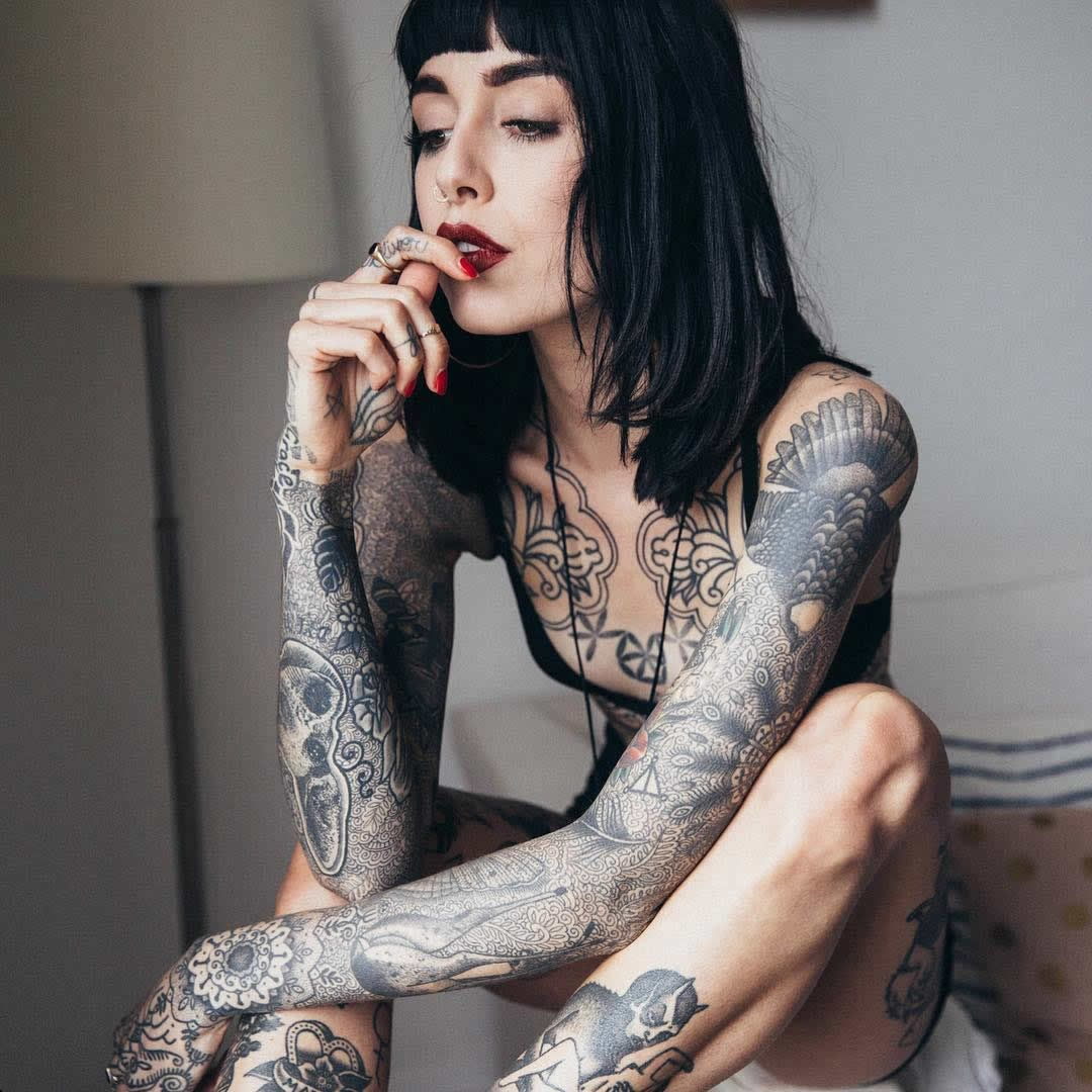 Amateur Blonde Tattoo Punk