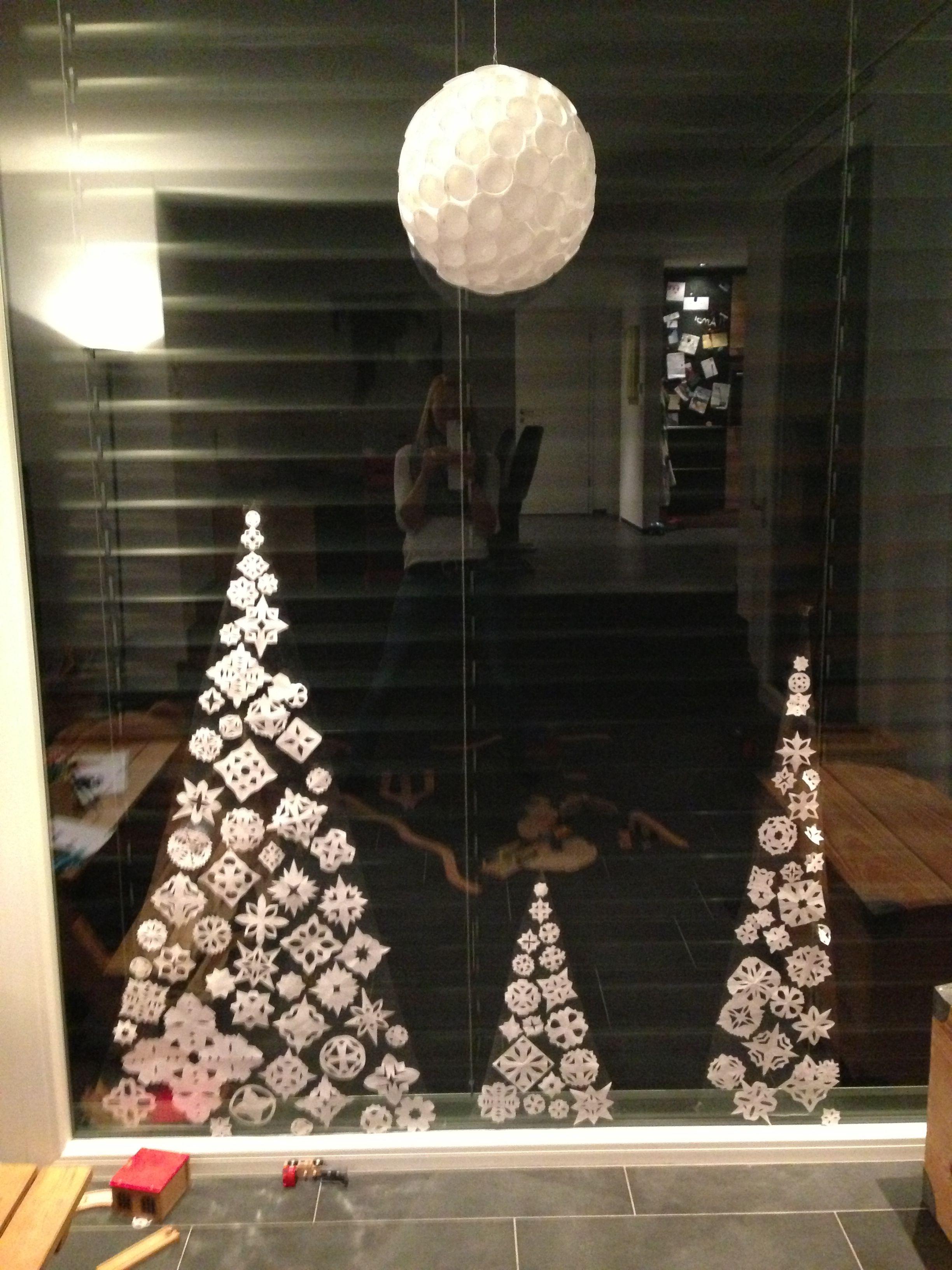 Scherenschnitte tannenb ume diy geschenk ideen pinterest weihnachten fensterdeko - Fensterdeko weihnachten schule ...