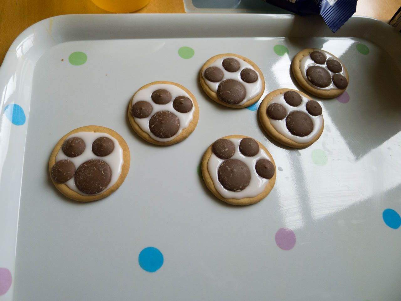 Paw Print Biscuits Really Simple A Rich Tea Biscuit