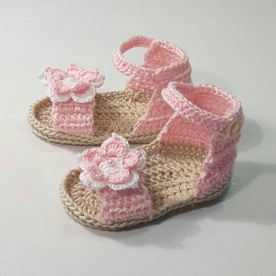 69c8323adbc Crochet · Sandalias de ganchillo para princesa por CrochetTattingByAle · Crochet  SandalsCrochet Baby ...