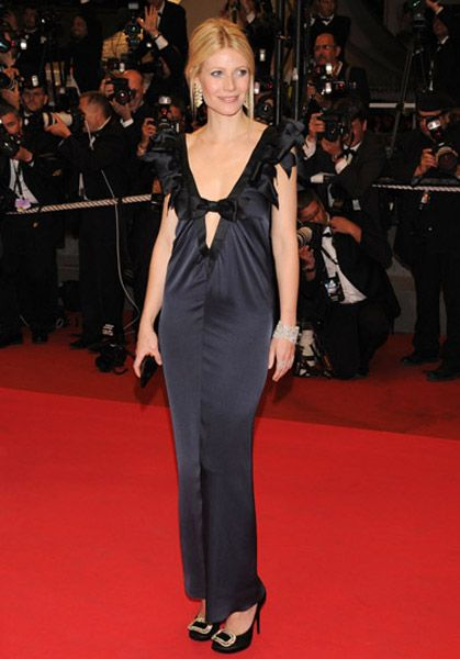 Gwyneth Paltrow Steals Kate Middleton's Crown As Best Dressed Woman IN THE WORLD!